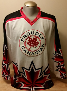PROUDLY CANADIAN HOCKEY JERSEY MAPLE LEAF XL