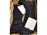 UGG ESPLANADE BOOTS Size 5.5
