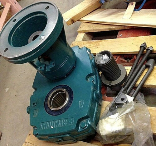 Sumitomo Shaft Mount Gearbox Speed Reducer GHYJA3105T 184TC 39:1 C-Face 44.4RPM
