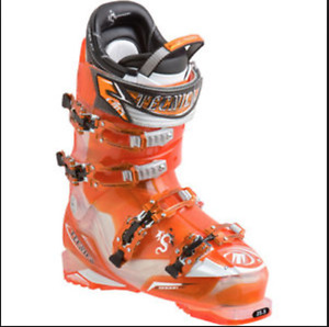 Tecnica Dragon 120 HiPerFit Ski Boot - Men's 10.5 with carrying