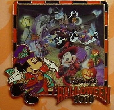 Disney Halloween Mickey with Minnie Mouse and Friends Tokyo Resort pin