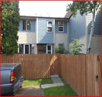 3 Bedroom Townhouse for RENT in CALLINGWOOD