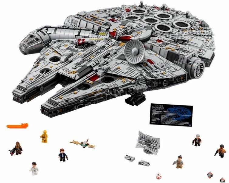Lego Star Wars UCS Millennium Falcon 75192 - Delivery possible