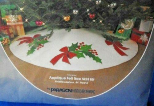Paragon Holly Sprays Applique Felt Tree Skirt Kit Kit 6170 NEW
