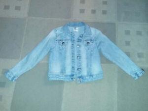 H&M jean jacket size 6-7.