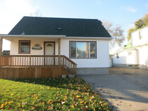 Sought After Location, Walk to the Brow!