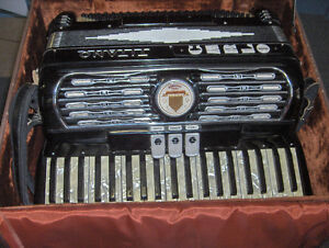 WANTED- LADIES ACCORDION IN GOOD CONDITION