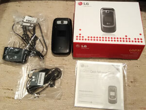 LG 231 flip phone UNLOCKED - excellent condition