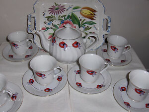 Red Hat tea set