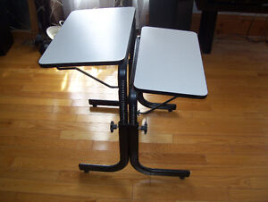 Computer Table Excellent Condition, perfect for small spaces