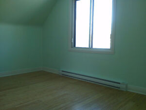POINTE CLAIRE , 3 bedroom, renovared, clean West Island Greater Montréal image 10