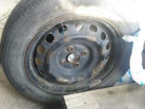 Roues d'acier  15 pouces + cap de roues toyota - 175/65R15