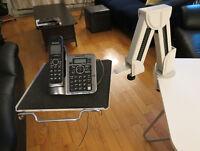 Bras télescopique pour divers équipements de bureau (téléphone