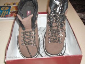 "NEVADA MEN""S HIKING BOOTS"