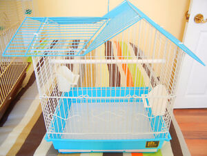 3 Prevue Hendryx blue double roof birdcage with accessories