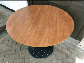 Commercial Quality Restaurant/Bar Tables and chairs