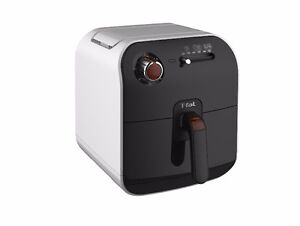 BRAND NEW - NEVER USED - T-Fal Fry Delight deep fryer