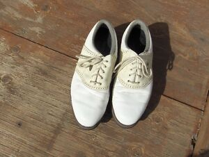 Ladies FootJoy Golf Shoes size 8.5. good condition