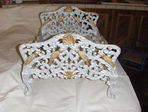 Extremely Rare VICTORIAN Cast Iron DOLLS BED