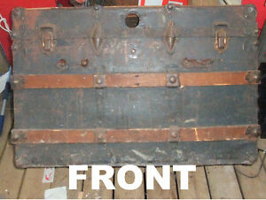 Antique metal and wood steamer trunk West Island Greater Montréal image 4