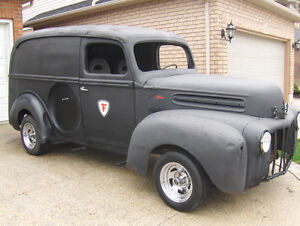 1947 FORD PANEL DELIVERY VAN