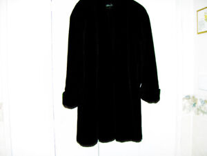 FAUX FUR COAT - Ladies