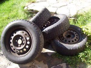 4 jante 15 pouce 4 trou Nissan + pneu hiver