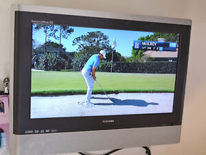 Toshiba LCD TV with Built In DVD and hinged wall bracket