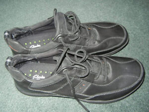 MENS SHOES - CLARKS - SIZE 14 LIKE NEW