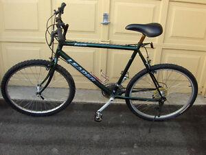 Unisex Adult  Mountain bike  Leader Adventure in good condition