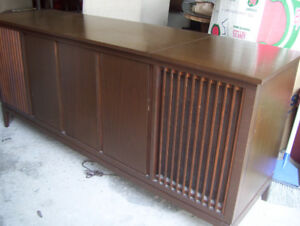 Vintage Stereo 1970 & TV Cabinet already converted