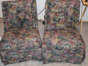 2 beautiful living room chairs with cushions, $ 45 for both