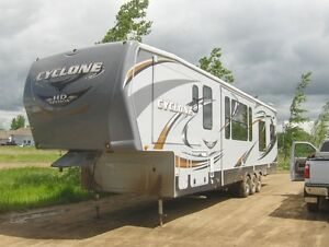 For Sale Heartland Cyclone Camper 4014