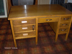 Antique Desk in very good condition