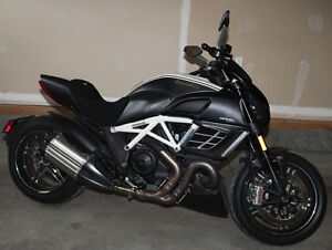 Mint Condition 2013 Ducati Diavel AMG plus accessories