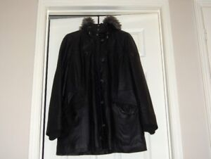 DANIER LEATHER WINTER COAT SIZE LARGE