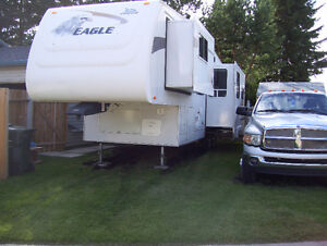 2007 Jayco Eagle 24'10 ' fifth wheel 3 slides