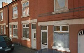 HOUSE TO LET- REFURBED