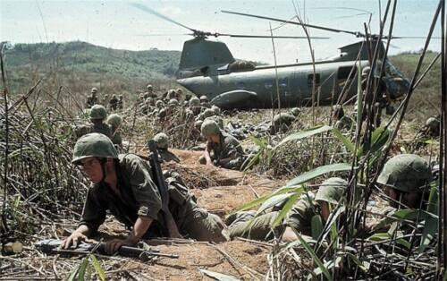 Vietnam War U.S. Marines Unload Chinook Take Cover Glossy 8x10 Photo