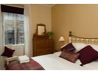 Edinburgh Royal Mile Holiday Apartment One bedroom self catering flat for holiday let - Sleeps 3