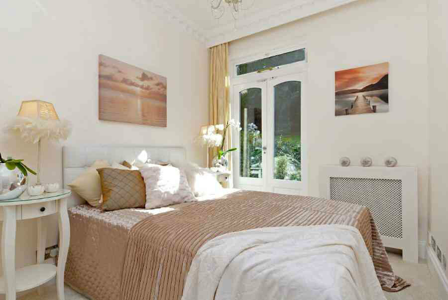 Luxury 3 double bedroom with 3 bathrooms flat in Hampstead close to tube station.