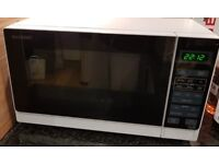 Sharp 20L White 800W Microwave (Model R272WM) - Excellent conditon