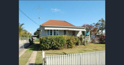 2 bedroom house for removal (Wellington Point)