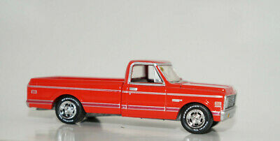 red 1971 chevy c10 cheyenne pickup 71 truck 1/64 scale diecast model greenlight