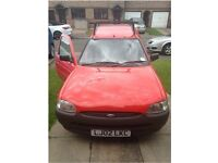 Ford Escort Van 11 Months MOT 02 reg Red, good condition inside and out drives superb with Roof bars