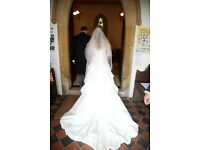 Maggie Sottero Victoriana wedding dress and veil - Ivory size 10