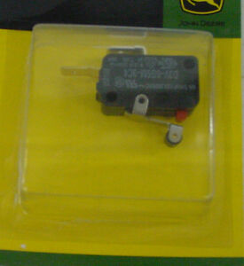 JOHN-DEERE-Neutral-Start-Switch-AM36443-200-210-212-216-314-316-318-322-332-420