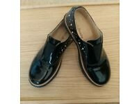 Russell & Bromley Stunning Patent Leather Brogues NEVER WORN Size 2 (34)