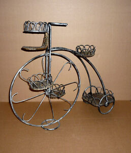 Wrought Iron & Wicker Plant Stand Tricycle .. 3 Tier : Exc Cond Cambridge Kitchener Area image 3