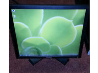 "DELL 17"" LCD monitor for PC / Laptop / CCTV SECURITY CAMERA - GREAT CONDITION - DELIVERY"